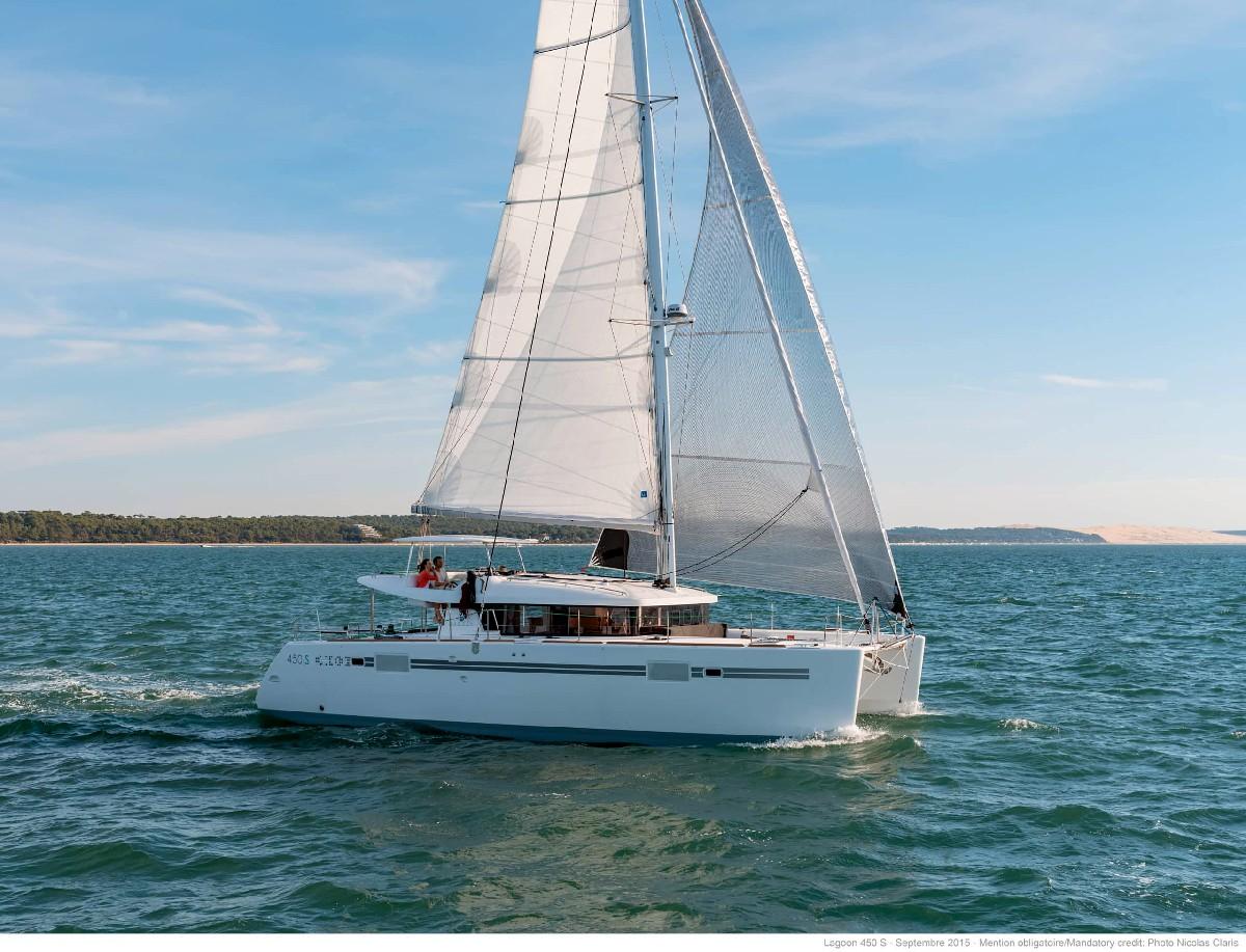 Lagoon 450 Yacht Charter Investor