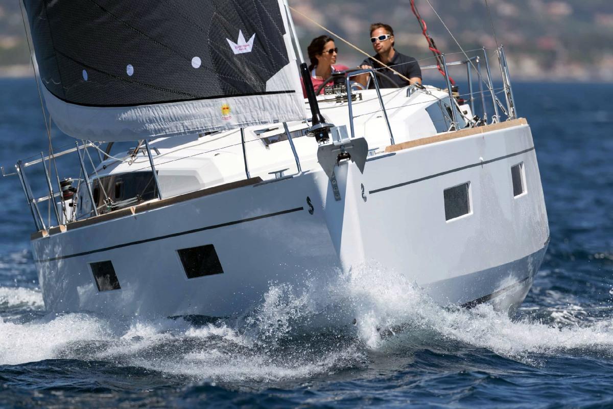 Yacht Charter Investor Oceanis 38, Oceanis 45, Lagoon 380, Lagoon 400, Lagoon 40, Lagoon 42