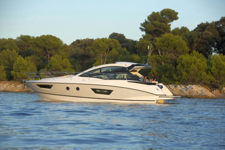 Gran Turismo 40 Motorboot