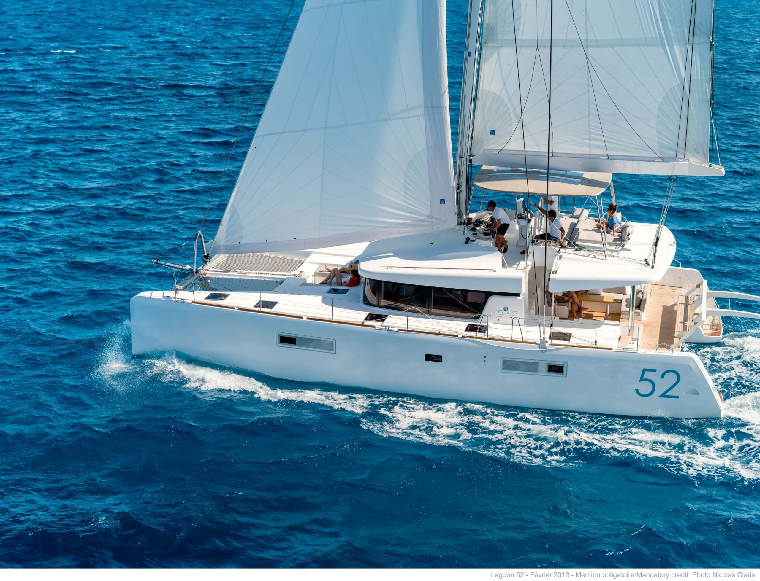 Yacht Charter Investor Lagoon 52